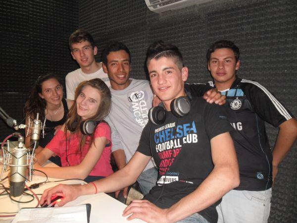 """Todos los miércoles de 19 a 20 """"Cuarto Nivel"""" por Radio 21"""