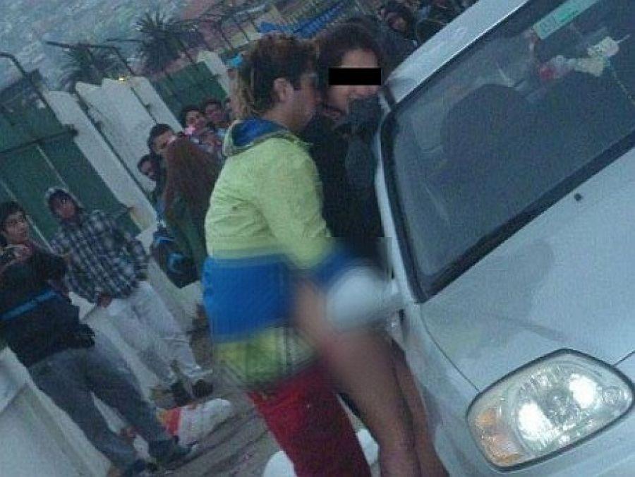 Adolescentes aficionados caseros n esposas en el coche 6