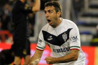 Vélez venció a Lanús y es líder con puntaje perfecto