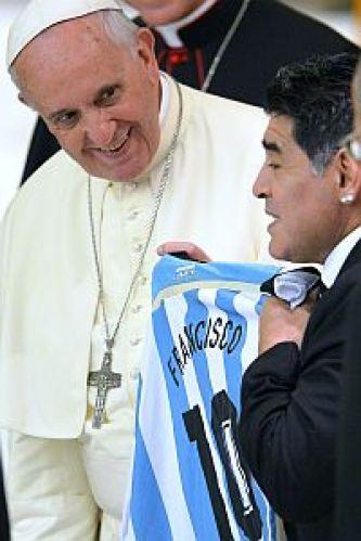 Francisco recibió a los jugadores del Partido por la Paz en Roma