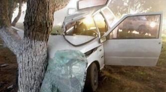 Corrientes: joven perdió el control de su auto, chocó contra un árbol y murió