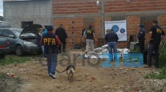 Corrientes: en un desarmadero descubren 700 panes de marihuana