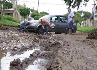 Caos en los barrios más populares de Corrientes, por la lluvia y el abandono municipal