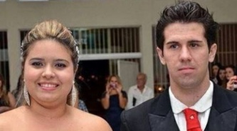 Chica invita a su novio a una boda, que resultó ser la suya