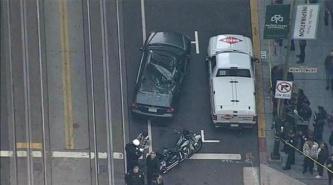 EE.UU.: Limpiador de ventanas cae de un undécimo piso sobre un coche en marcha y sobrevive