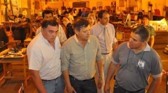 Domingo Peppo entregó equipamiento a la Escuela de Educación Técnica N° 27 Francisco Levraux