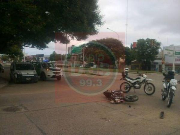 Corrientes: Se creyó vivo cruzando el semáforo en rojo y se lo llevaron por delante
