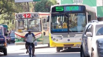 El municipio amenazó con quitar concesiones si no bajan el boleto