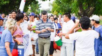 Eduardo Aguilar recibió un fuerte respaldo en barrios de Resistencia
