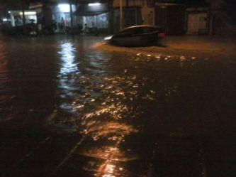 Otra vez la lluvia inundó algunas calles de Corrientes