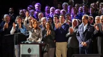 """Cristina Kirchner: """"Vamos por 12 veranos y queremos también el verano número 13"""""""