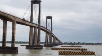 Otra mujer se habría arrojado al Paraná desde el Puente Gral. Belgrano