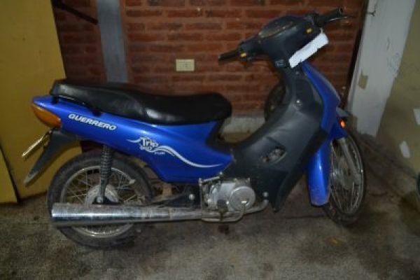 Pinedo: estacionó su moto fuera de su casa y cuando salió ya no estaba más
