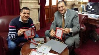 El Senador Nacional Ángel Rozas se sumó a la Campaña Lectura Solidaria