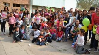 Villa Ángela: Profesores y Alumnos del IESVA junto a sus Hijos Celebraron el Día del Niño