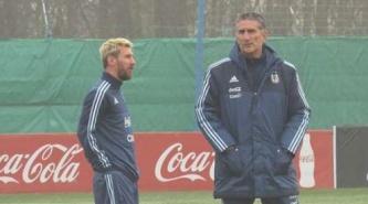 ¡Messi a la vista! será titular y capitán frente a Uruguay el jueves