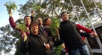 Familiares de Josele Altamirano se manifestaron con ramos de perejil