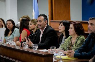 El vicegobernador llamó a erradicar la desigualdad de género y acompañar la lucha diaria