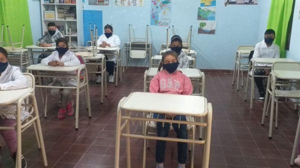 «Hay que cuidar la educación»   Infectólogos y pediatras no aconsejan suspender la presencialidad en aulas